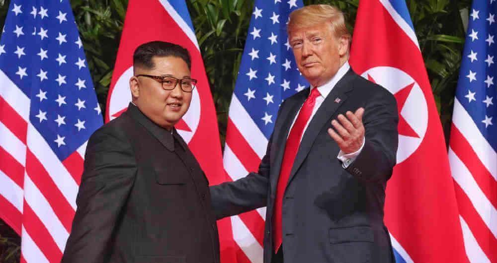 China celebró el gran alcance de la reunión la víspera entre el dirigente norcoreano Kim Jong-un y el presidente estadunidense Donald Trump, e invitó a aprovechar las circunstancias favorables para avanzar hacia la desnuclearización.