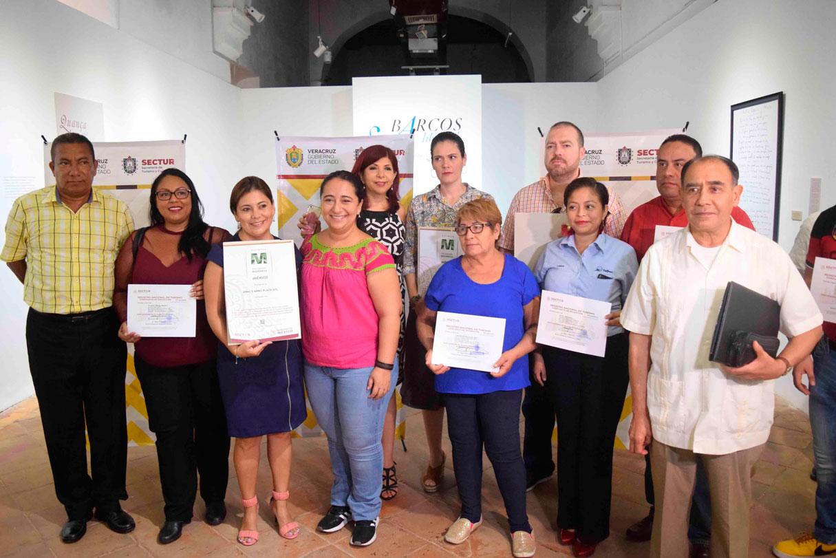 """La Secretaría de Turismo y Cultura (SECTUR) dio inicio al curso de actualización de guías turísticos """"La Economía, el Arte y la Guerra en Veracruz en la época Virreinal"""", que se llevará a cabo del 8 al 12 de julio, con una duración de 40 horas, en las instalaciones del Instituto Veracruzano de la Cultura (IVEC)."""