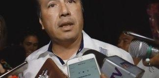 El gobernador Cuitláhuac García Jiménez criticó que la Fiscalía General del Estado (FGE), no ejecute órdenes de aprehensión en contra de bandas de presuntos secuestradores.