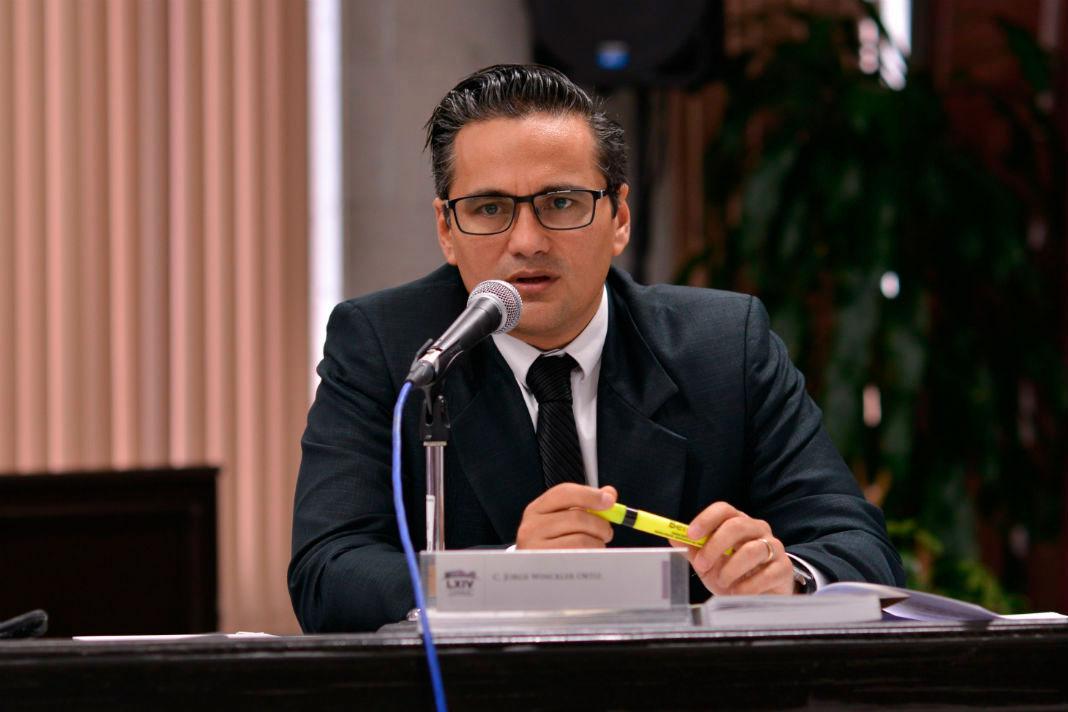 El fiscal General del Estado de Veracruz, Jorge Winckler Ortiz respondió a las acusaciones del gobernador Cuitláhuac García sobre los bienes incautados a Javier Duarte, pues ya que, afirma que ahora pertecen a Winckler.