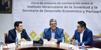 La Secretaría de Desarrollo Económico y Portuario (SEDECOP) y la Oficina del Gobernador (OFIGOB), a través del Instituto Veracruzano de la Juventud (IVJ), firmaron un convenio de colaboración para impulsar la capacitación de jóvenes emprendedores.