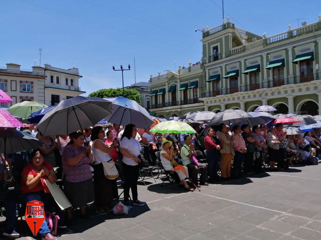 En medio de una atmósfera de luto y dolor, feligreses despidieron en la Catedral Metropolitana de Xalapa al Cardenal Sergio Obeso Rivera, tras su fallecimiento el pasado domingo en su domicilio particular de Coatepec por un deterioro en las funciones vitales.