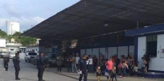 La Secretaría de Seguridad Pública (SSP), a través de la Policía Estatal, rescató a 43 personas de origen centroamericano en Poza Rica; entre ellas 17 menores de edad.