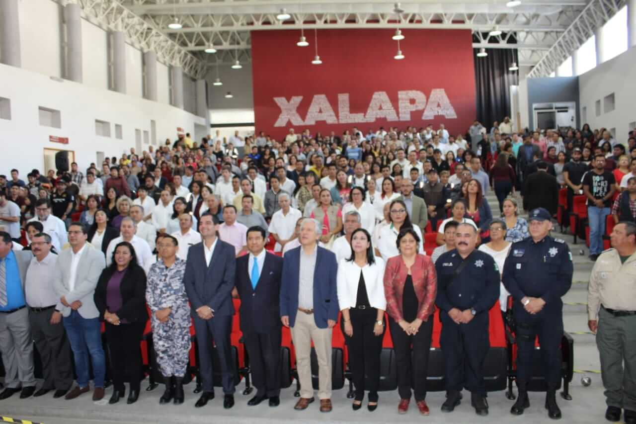 """La Secretaría de Seguridad Pública (SSP) y el Ayuntamiento de Xalapa llevaron a cabo el foro """"Estrategias de Seguridad y Prevención del Delito"""" donde dieron a conocer los programas y acciones en la materia, implementados en la Capital."""