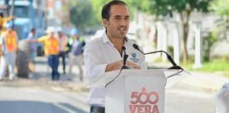 Este viernes, el Presidente Municipal de Veracruz, Fernando Yunes Márquez dio inicio al obras de repavimentación con carpeta asfáltica de la calle Iztaccíhuatl, entre J. B. Lobos y Paseo de la Libertad, en la colonia Los Volcanes.