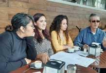 """Este lunes, miembros de la compañía de Ópera de Xalapa, invitaron a los ciudadanos a """"Un fin de semana de ópera"""" evento que se va a realizar los próximos 23, 24 y 25 de agosto, en el teatro J. J. Herrera."""