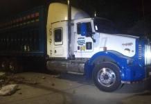 """La Secretaría de Seguridad Pública (SSP) detuvo a Gerardo """"N"""" por no acreditar la propiedad legal de un vehículo cargado con hidrocarburo. Lo acompañaba un menor de 15 años."""