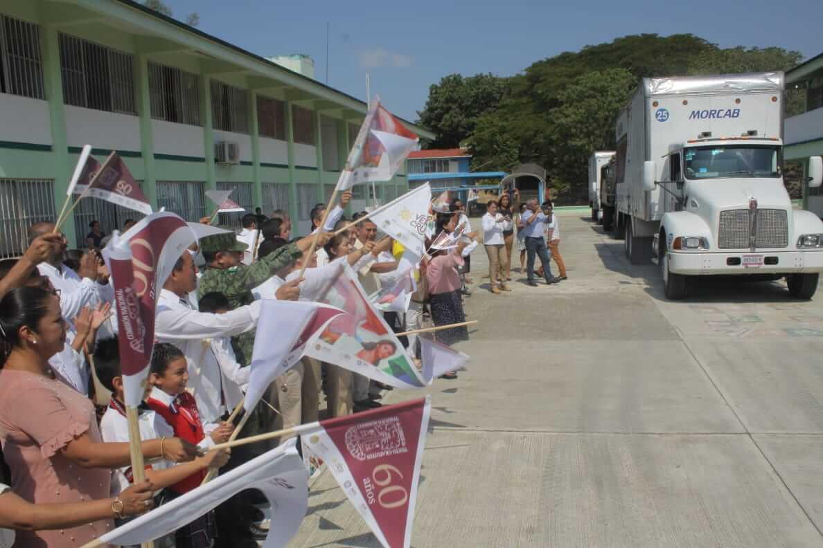 La Secretaría de Educación de Veracruz (SEV) repartirá 9 millones 890 mil 87 libros de texto gratuitos para el Ciclo Escolar 2019-2020.