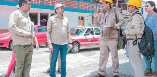 Este viernes, el gobernador Cuitláhuac García Jiménez acudió al municipio de Coatepec para supervisar las brigadas de la Jurisdicción Sanitaria, de la Secretaría de Salud donde resaltó la importancia de contar con una campaña preventiva para la erradicación del mosquito transmisor del dengue.