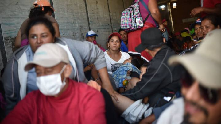 Corte Suprema de EU permite a Trump negar asilo a migrantes