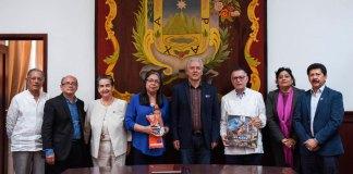 El presidente municipal Hipólito Rodríguez Herrero recibió el pasado viernes en la sala ex Presidentes al embajador de Venezuela en México, Francisco Arias Cárdenas, y a su esposa, Eva Margarita Padrón de Arias.