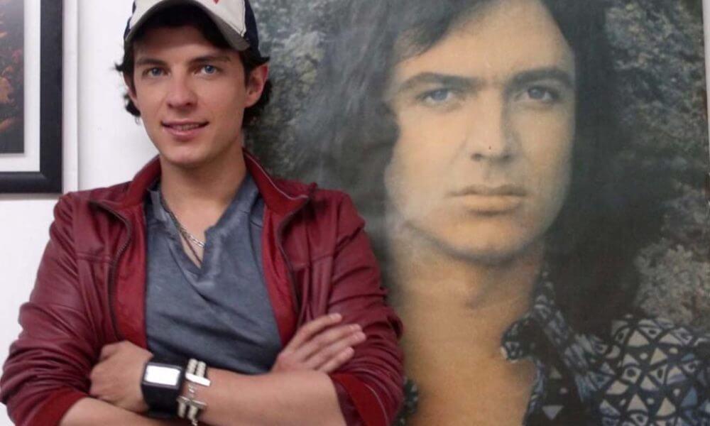 Camilo Blanes, hijo del cantante español, Camilo Sesto, viajó a España para dar el último adiós a su padre.