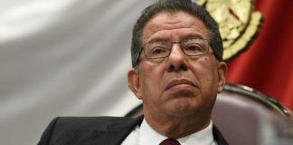José Manuel Pozos, diputado y presidente de la directiva del Congreso del Estado, comunicó que Jorge Winckler podría reincorporarse a su cargo si cumple con la acreditación de exámenes de control y confianza.