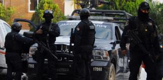 La Secretaría de Seguridad Pública (SSP) recuperó 10 vehículos con reporte de robo y detuvo a cinco personas, que fueron puestas a disposición de las autoridades competentes para las investigaciones de ley.