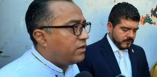 """La Secretaría de Educación de Veracruz (SEV), se deslindó totalmente de la presentación de la ex actriz porno """"Luna Bella"""" durante la bienvenida de los alumnos del Instituto Tecnológico de Minatitlán (ITM)."""