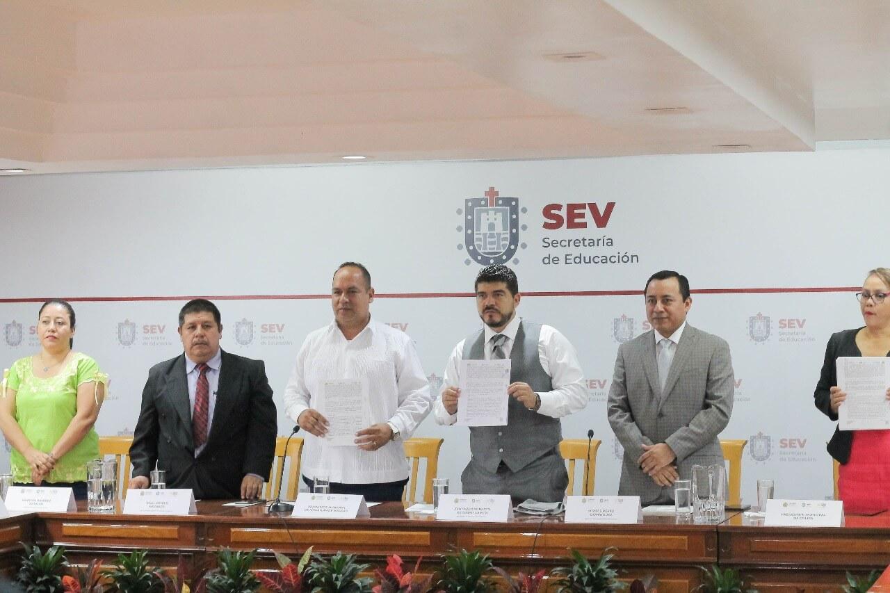 La Secretaría de Educación de Veracruz (SEV) firmó un convenio de colaboración que impulsará la capacitación en el desarrollo productivo de la población, a través de Misiones Culturales en 13 municipios del estado.
