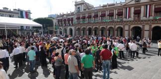 En el marco del Día Nacional de Protección Civil, el gobernador Cuitláhuac García Jiménez encabezó la conmemoración de los sismos de los años 1985 y 2017.