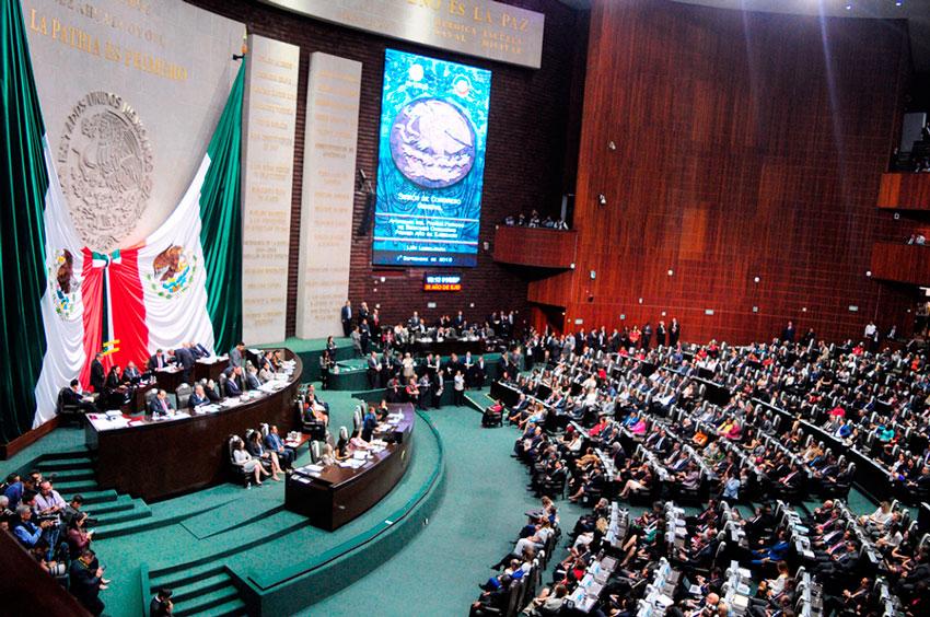 La Cámara de Diputados reveló, a través de su página web, un informe de asistencias durante el primer año de gestión, de los 20 diputados federales, por mayoría relativa de Veracruz.
