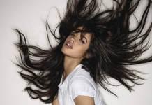 Camila Cabello - Cry For Me. La artista vuelve a aparecer, pero esta vez lo hace cargada de rabia. Imagina que rompes con tu pareja y antes de lo que esperas, se ha buscado a otra persona con la que divertirse. El ataque de celos es más que probable. Ésta es la historia que recoge este tema de ritmos más rockeros y los sonidos más fieles del pop de Cabello.