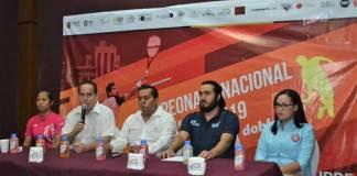 En conferencia de prensa, el Instituto Veracruzano del Deporte (IVD) que preside Víctor Iván Domínguez Guerrero, presentó el Campeonato Nacional De Squash 2019 Infantil, Juvenil y Dobles, el cual se efectuará del 3 al 6 de octubre en las recién rehabilitadas canchas del Centro de Raqueta de Leyes de Reforma.