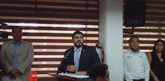 El secretario de Educación de Veracruz, Zenyazen Escobar García aseguró que en pasadas administraciones los Reconocimientos de Validez Oficial de Estudios (RVOE) eran vendidos a escuelas privadas hasta en 500 mil pesos.
