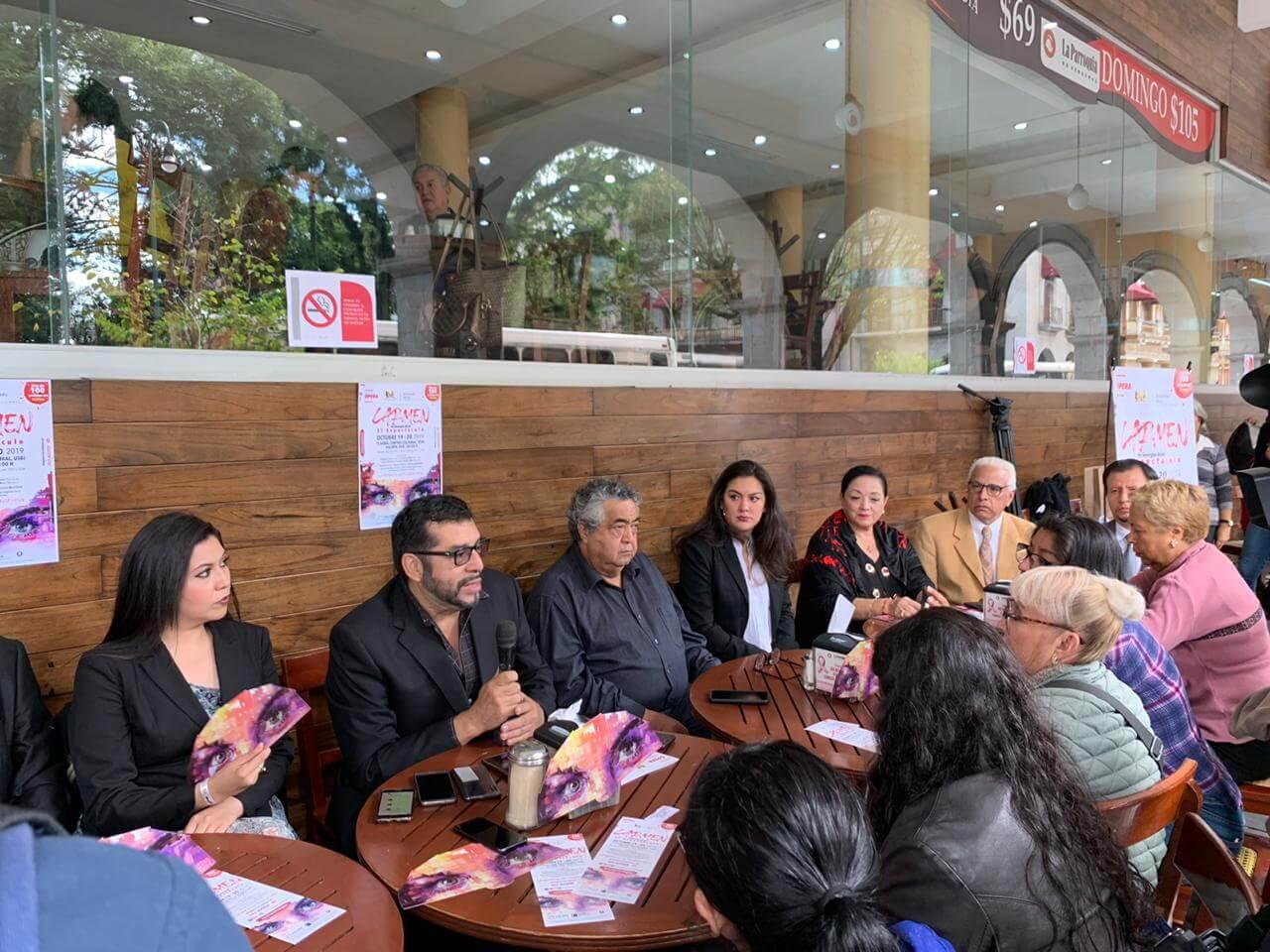 Este martes, la Universidad de Xalapa y Armando Mora producciones realizaron una rueda de prensa, para presentar