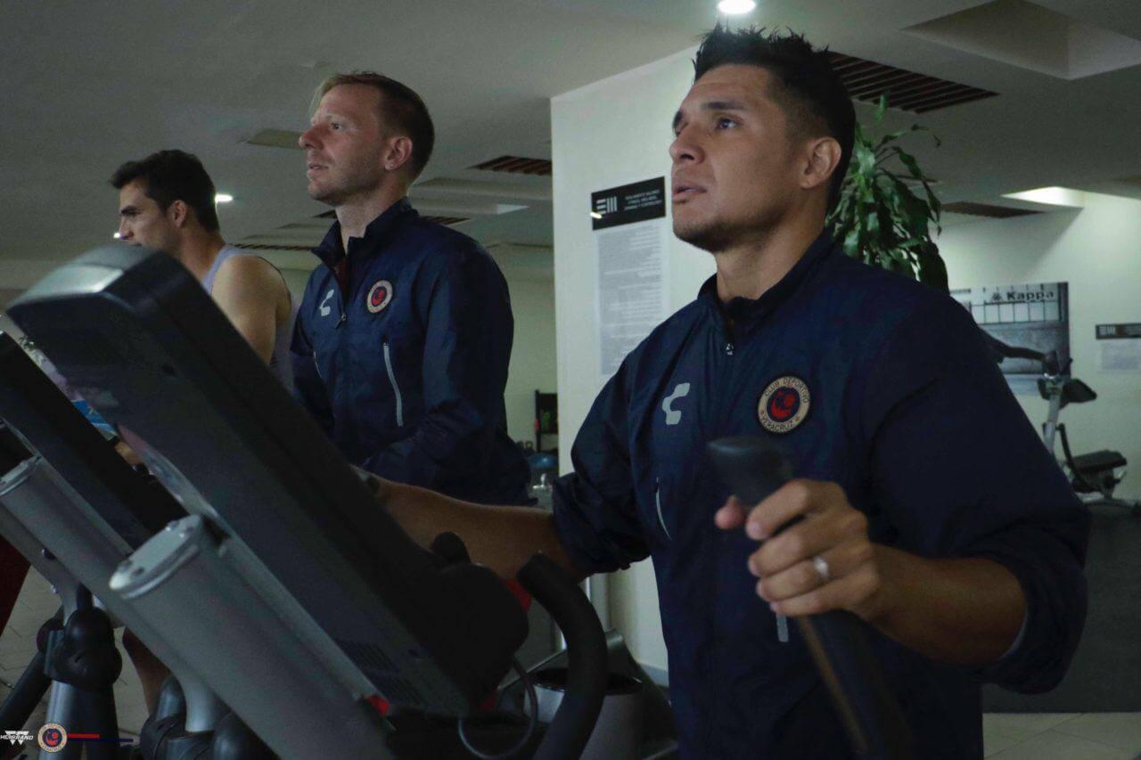 El primer equipo del Club Deportivo Veracruz continúa con sus actividades rumbo a la Jornada 14 del torneo Apertura 2019 de la Liga MX y este miércoles entrenaron en las instalaciones del gimnasio Sports World.