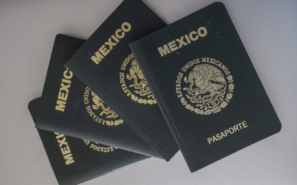 Mexicanos ya pueden obtener su pasaporte en España en un solo día