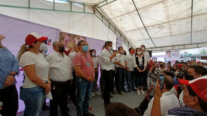 David Velasco ofrece crear 100 mil empleos en Xalapa.