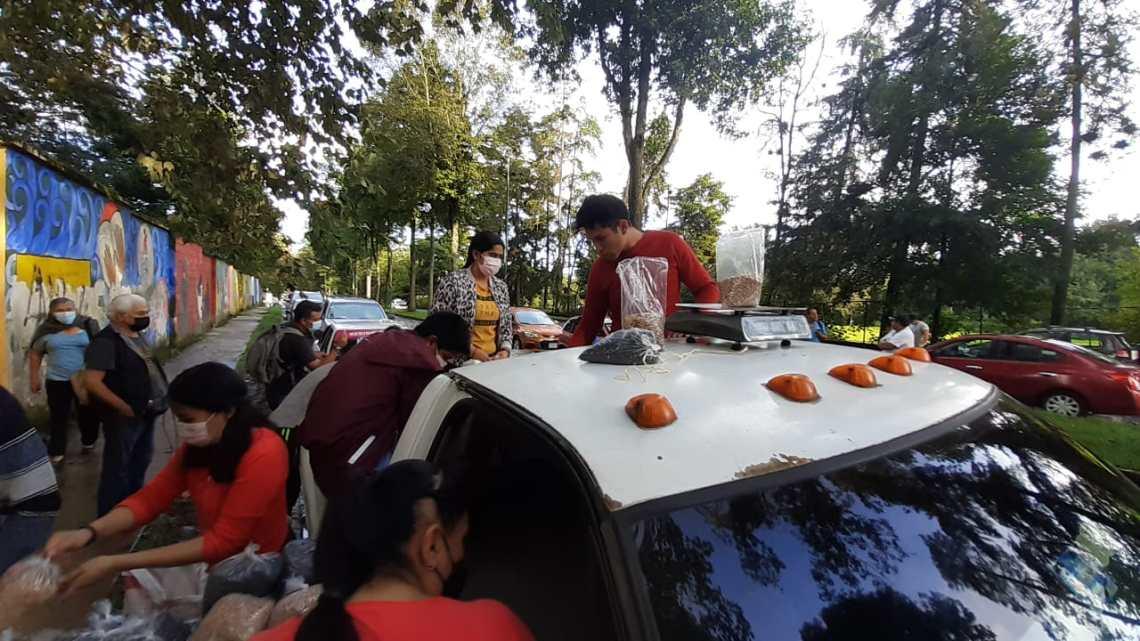 Agricultores de la zona de Altotonga llegan a Xalapa a comercializar sus cosechas