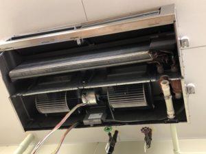 エアコンクリーニングの分解