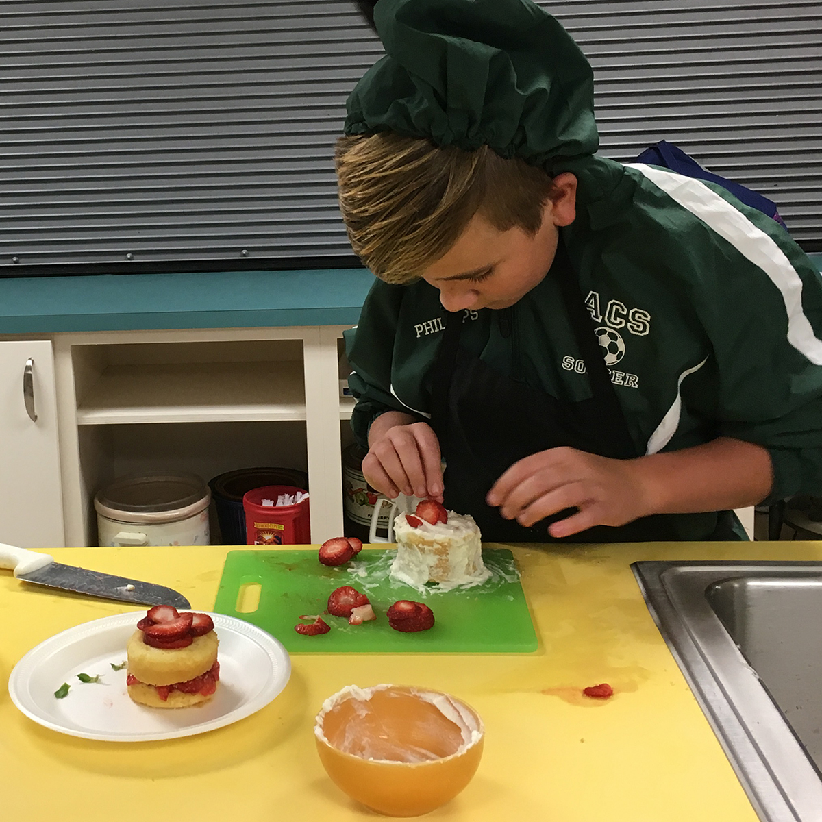 Students Make Eye Catching Strawberry Shortcakes In Middle