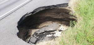 Sinkhole on I-75
