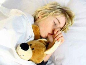 dormir,sucer son pouce