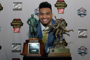 Tua Tagovailoa at College Football Awards