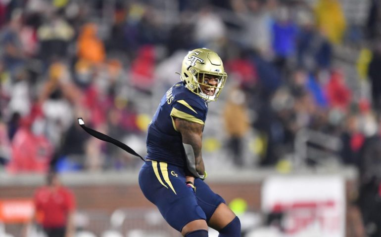 #togetherweswarm, Georgia Tech Yellow Jackets win big under prime time lights