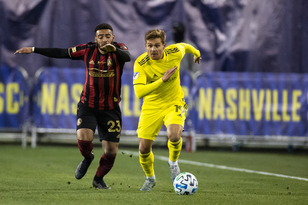 #atlutd, #mls, Jake Mulraney goes after the ball