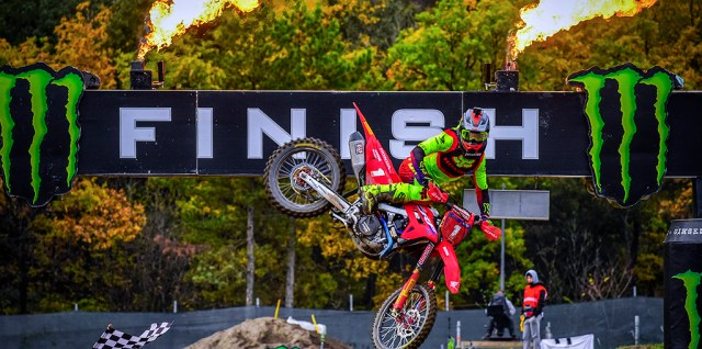 Gajser and Vialle crowned MXGP & MX2 World Champions at the MXGP of Pietramurata