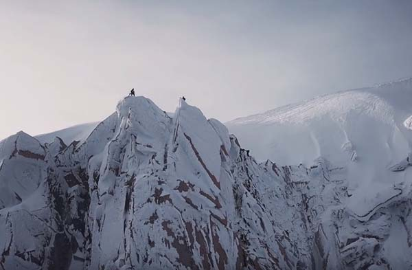 Snowboarding in Chamonix - Frozen Mind - Victor De Le Rue and Pierre Hourticq