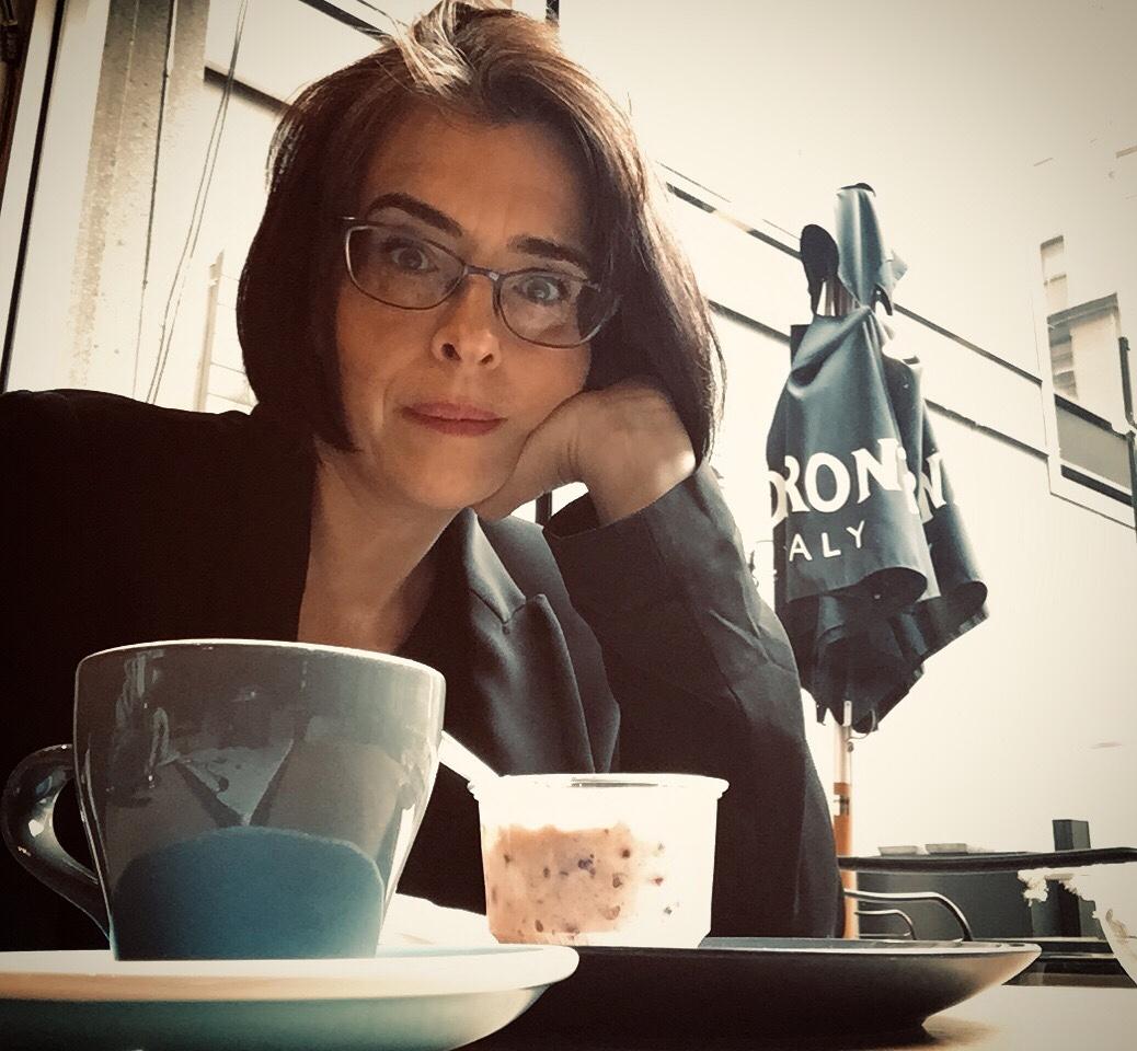 Cafe pondering
