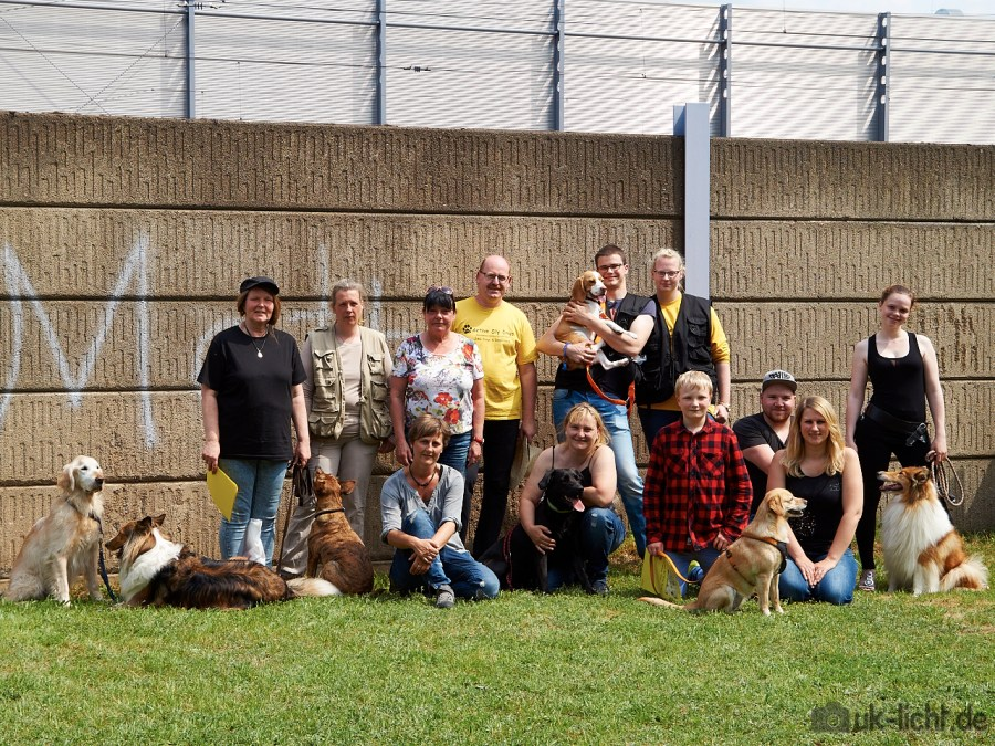Gruppenbild 1.Dogdance-Turnier von Active Sly Dogs am 29.05.2016
