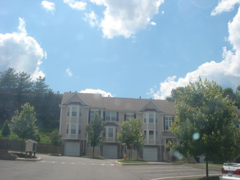 Arlington Woods Exterior