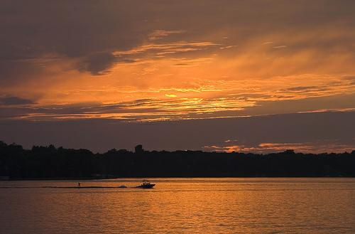 Waukesha County Lake homes,lake homes for sale in waukesha county wisconsin,lake property for sale in oconomowoc wisconsin,lake property for sale in waukesha county