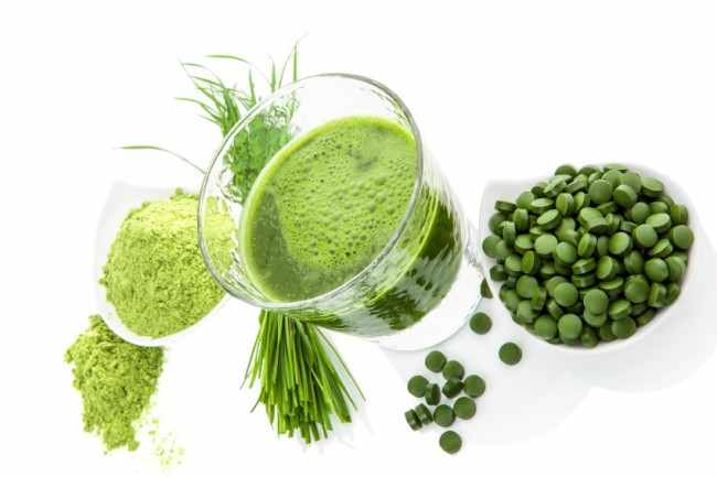 Best way to enoy Chlorella's health benefits is to consume it as part of a juice diet, which boosts fat burning in our bodies, and enhances energy and mood.
