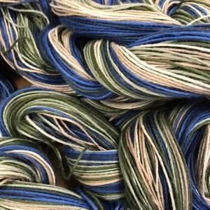 Blue/green weaving warp