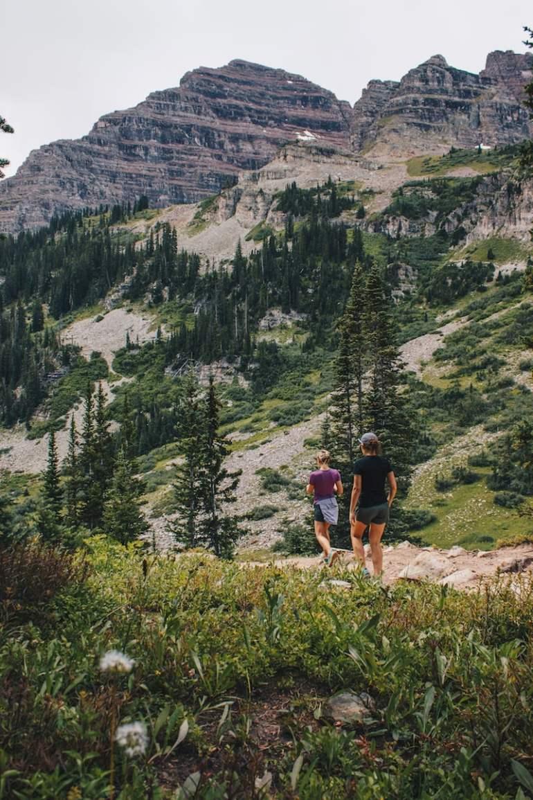 maroon bells hiking colorado