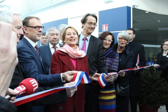 Ségolène Royal, Ministre de l'environnement, de l'énergie et de la mer, de Sylvain Accorsini, Président-directeur général de Mécafi, et d'Olivier Andriès, Président de Safran Aircraft Engines.