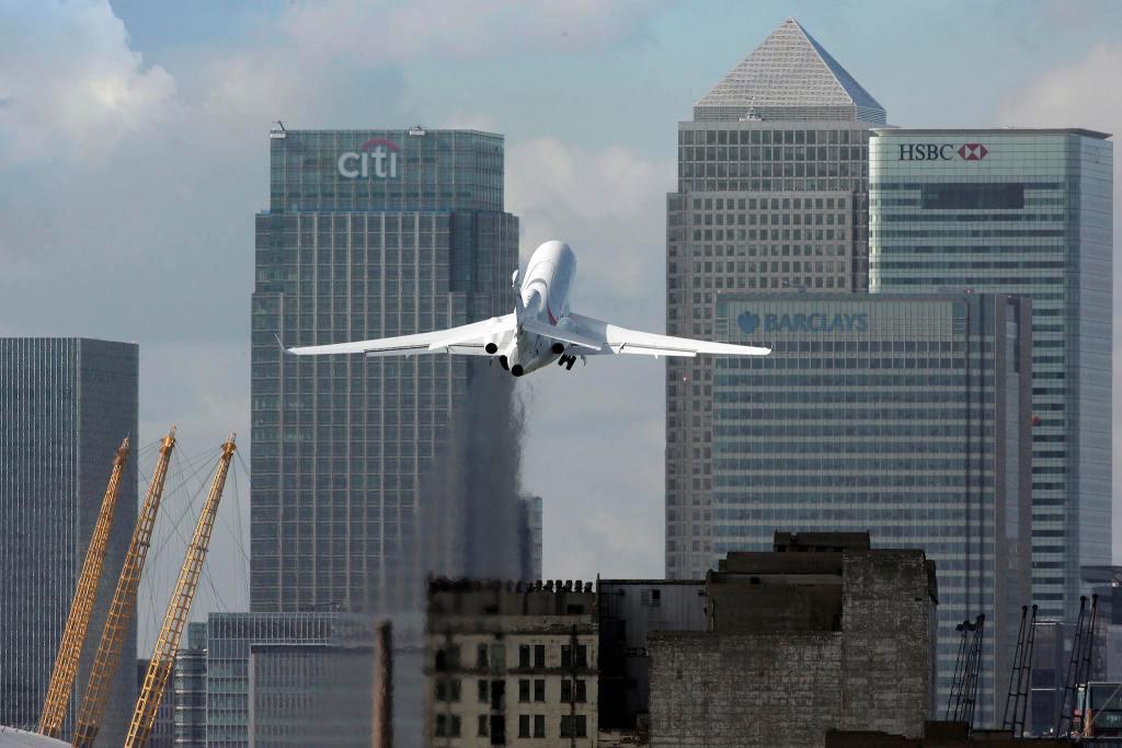 Falcon 8X au décollage de London City