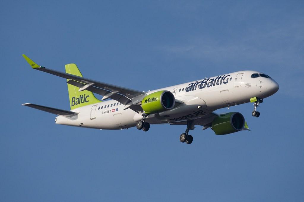 airBaltic CS300 Bombardier