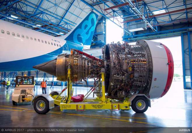 Rolls Royce Trent 7000 devant l'A330neo